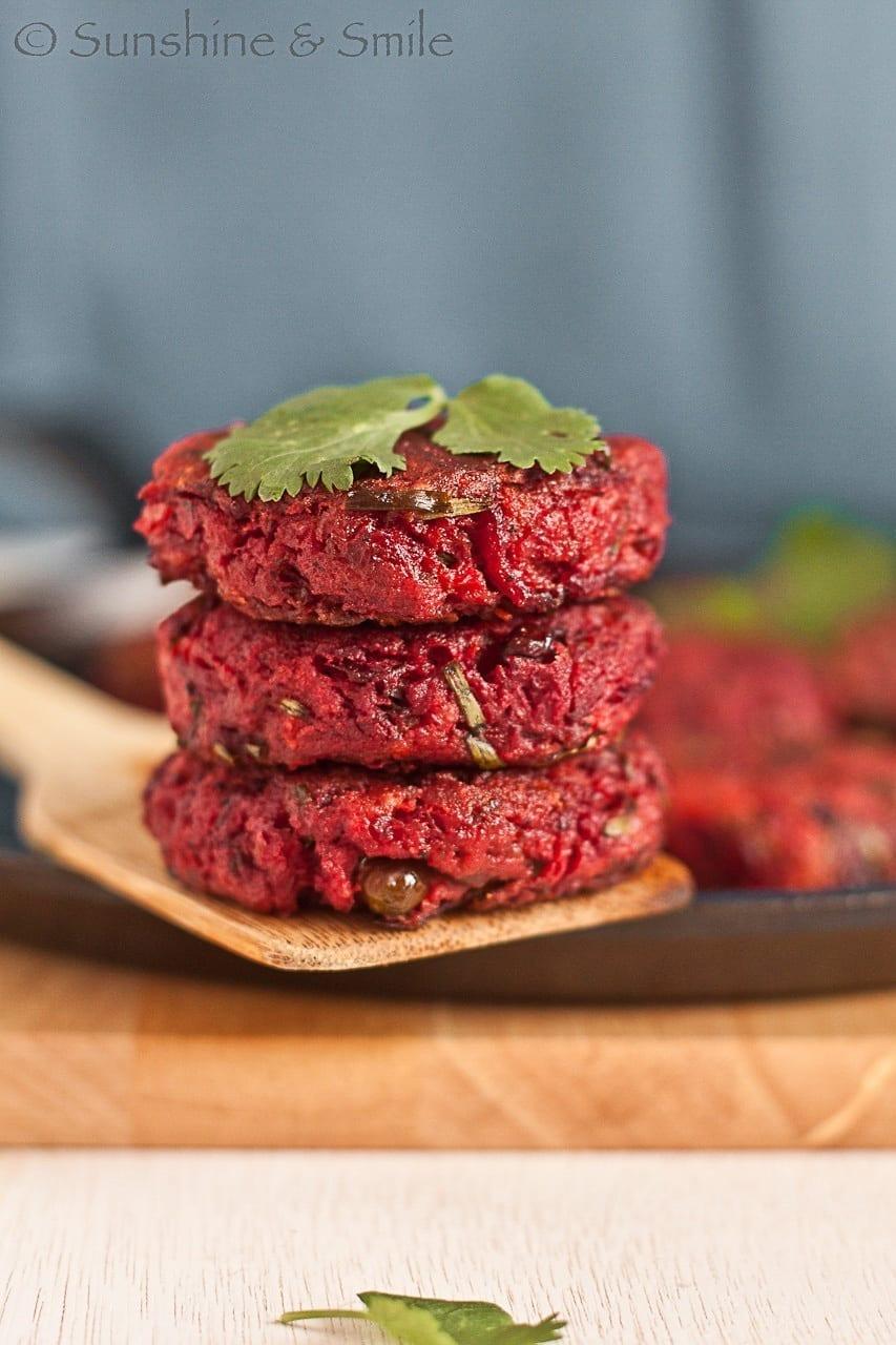 Beet Chop/Beetroot Patty – My twist on a street food from Kolkata