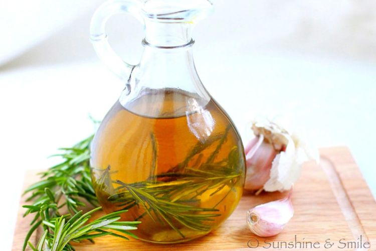rosemary garlic oil 5
