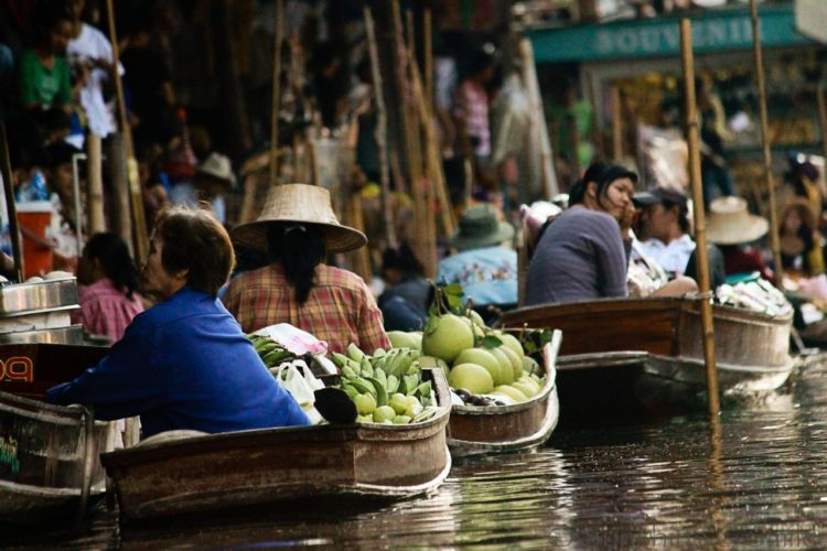 The Floating Market in Thailand 17