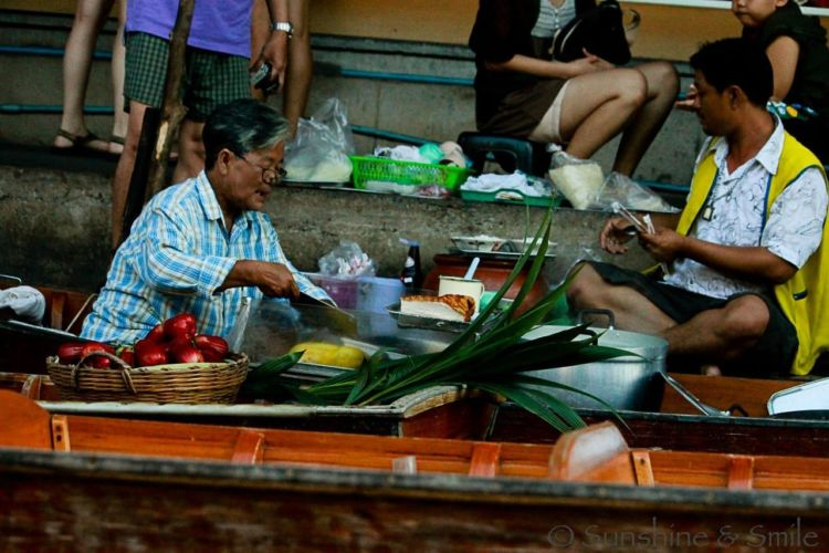 The Floating Market in Thailand 18