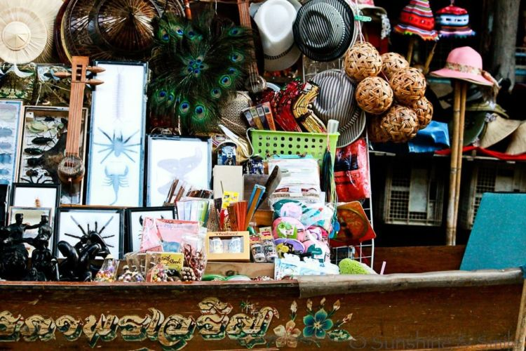 The Floating Market in Thailand 16