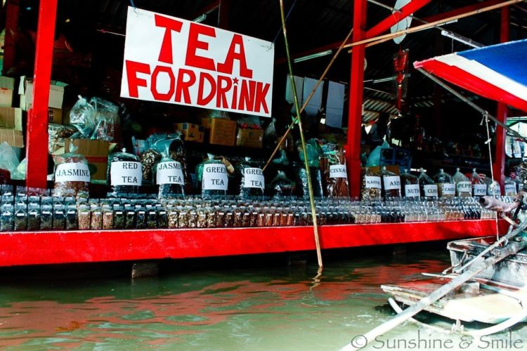 The Floating Market in Thailand 8