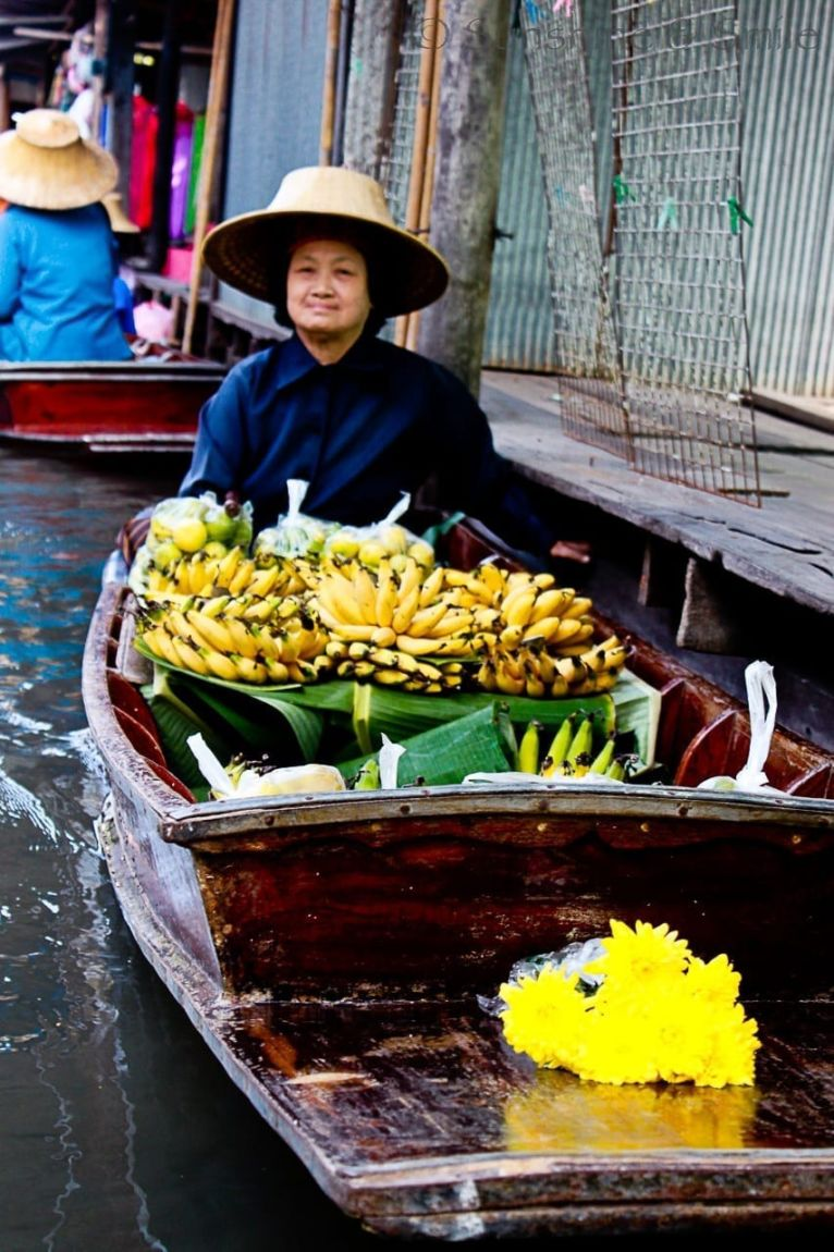 The Floating Market in Thailand 10