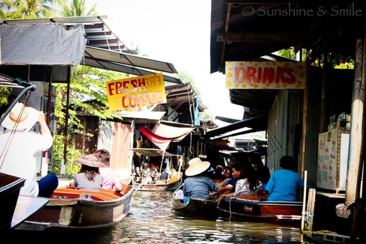 The Floating Market in Thailand 6