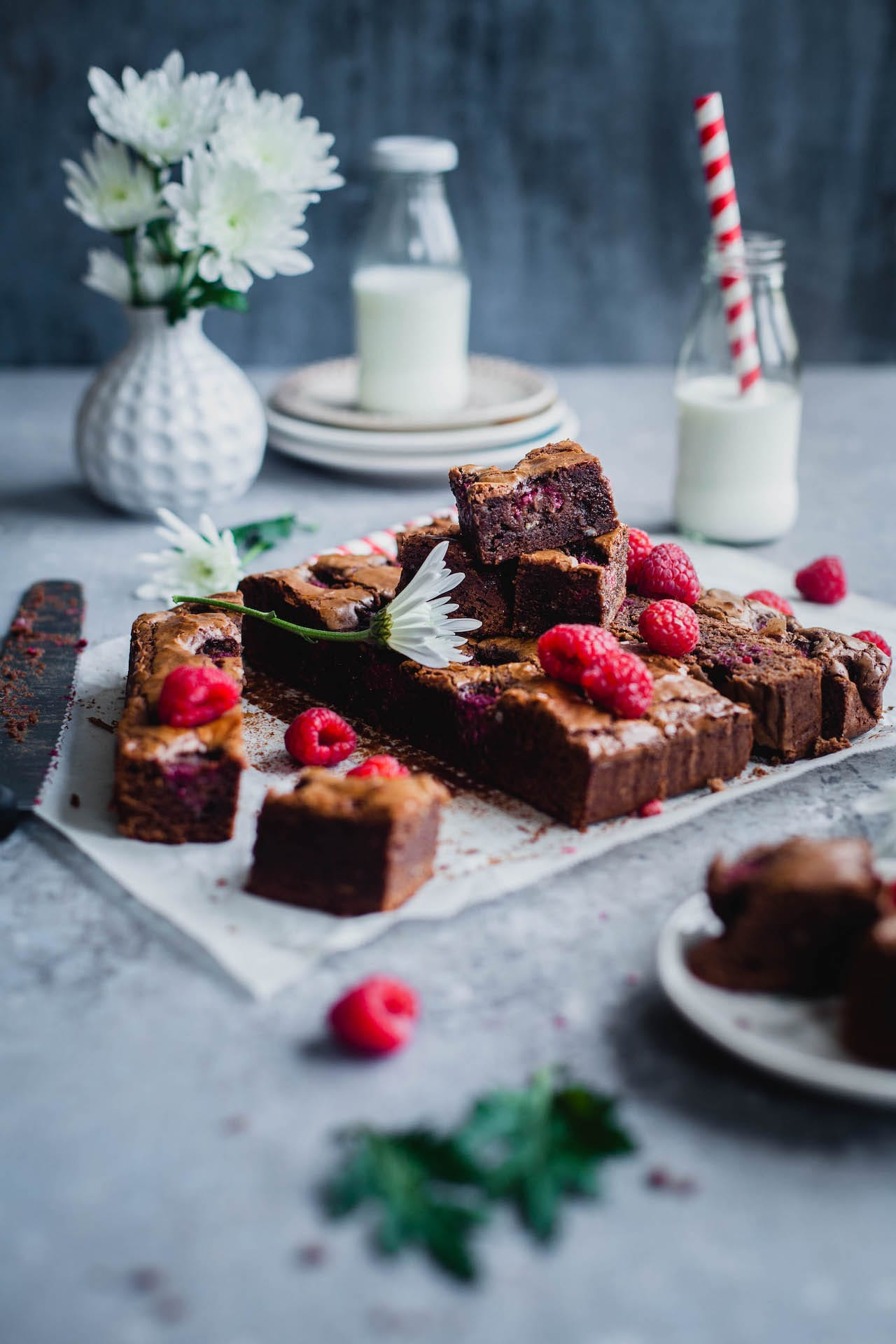Raspberry Brownies | Playful Cooking #raspberry #brownie #easy #baking