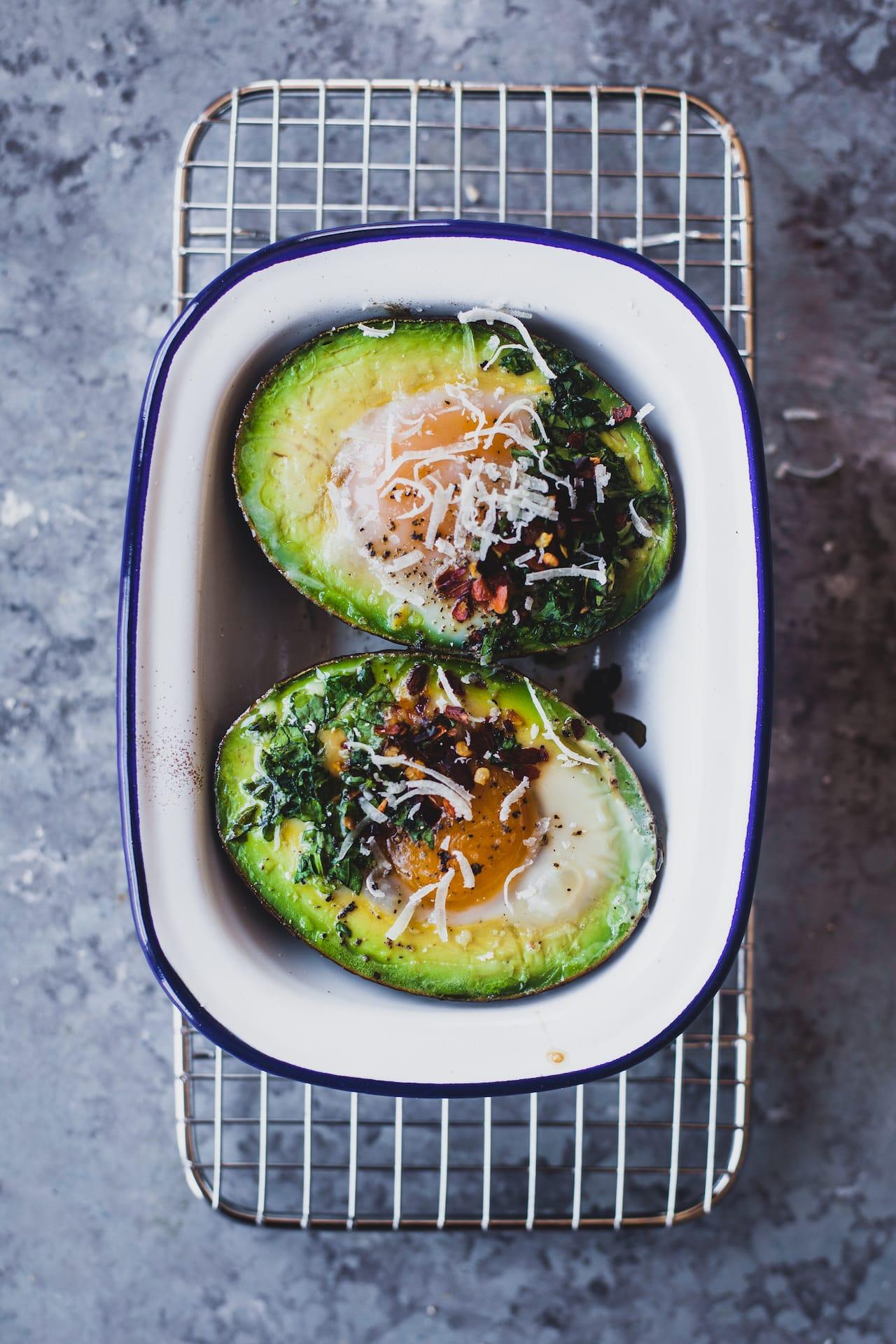 egg spinach baked avocado 01 1