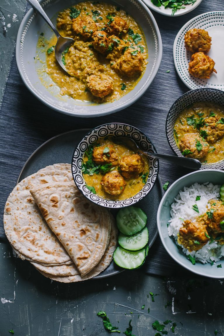 Indian curry with bottle gourd served with rice and roti