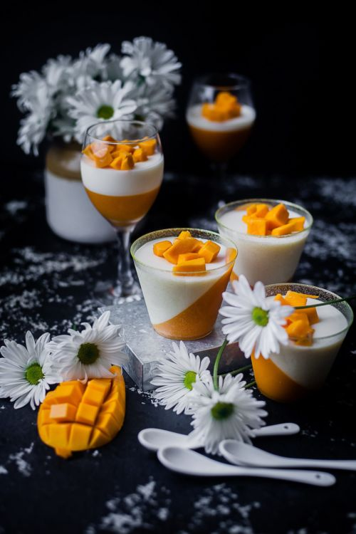 Mango Panna Cotta | Playful Cooking #mango #dessert #sweets #pannacotta #cream #cream