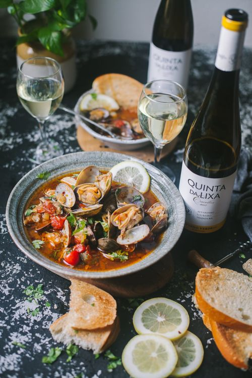 Portuguese spiced clams | Playful Cooking #foodphotography #wine #foodphotography #seafood #clams