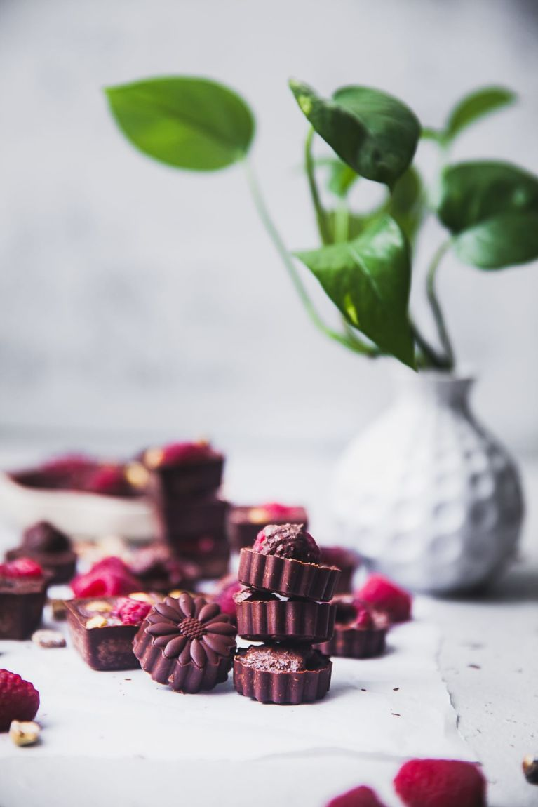 Raspberry Pistachio Chocolate | Playful Cooking #chocolate #raspberry #dessert #homemade
