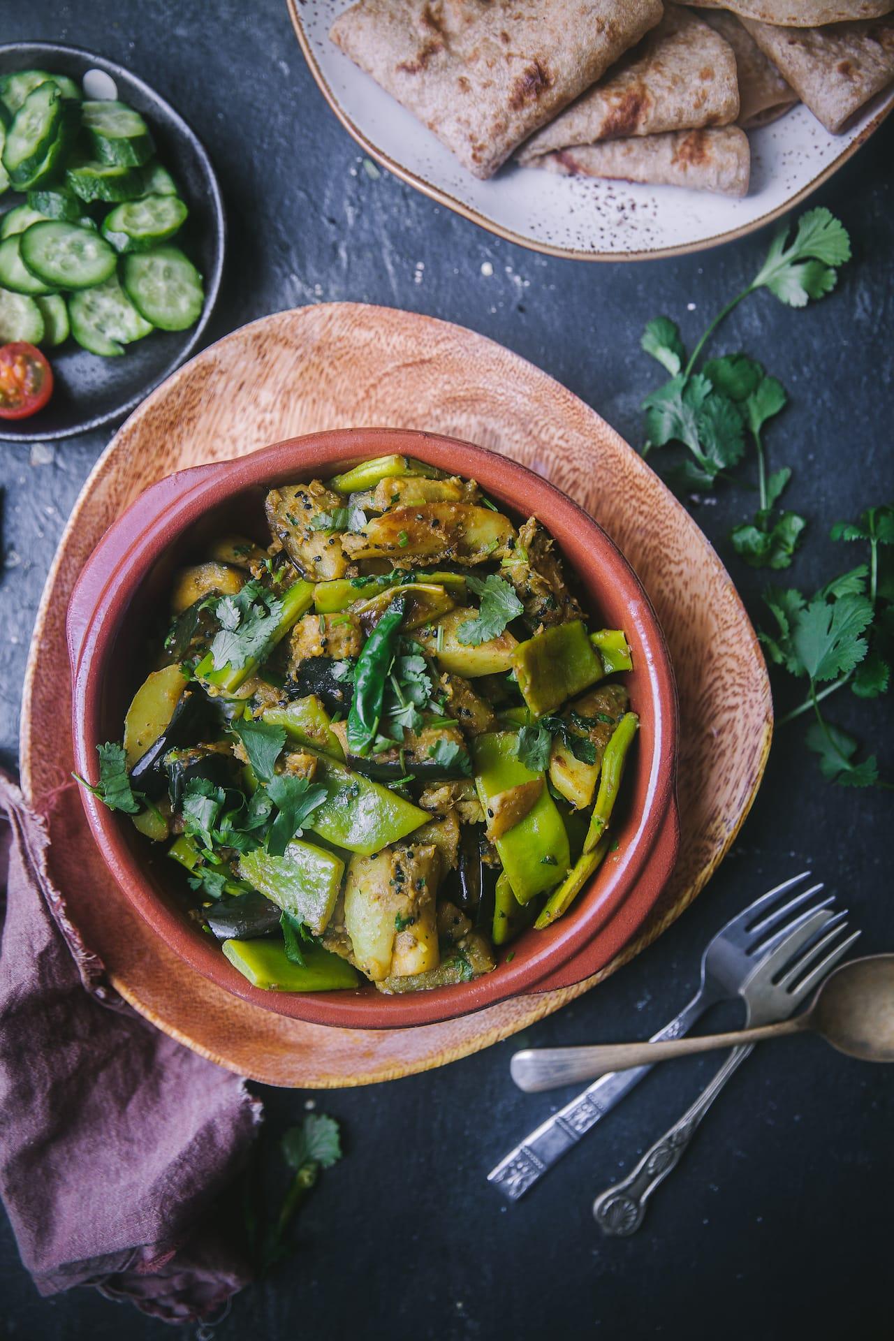 It's a Vegetarian, Plant Based side dish, from the region of Kolkata! Shim Begun'er Chorchori (Flat Green Beans and Eggplant Stir-Fried) #playfulcooking #bengali #vegetarian #plantbased, #chorchori #foodphotography