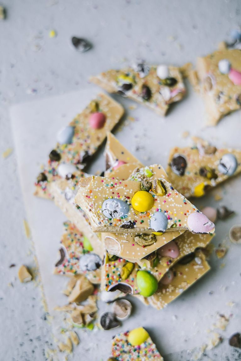 Caramelized white chocolate bark! Great Easter Treat #playfulcooking #chocolate #bark #caramelized #whitechocolate #easy #dessert #easter #treat