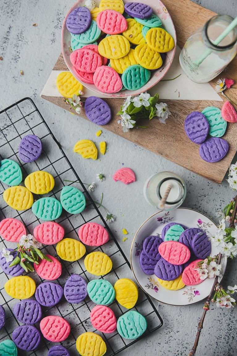 Soft Chewy Easy to bake with Kids - Cream Cheese Easter Egg Cookies #cookies #easteregg #cream #cheese #baking #kids #easter #egg