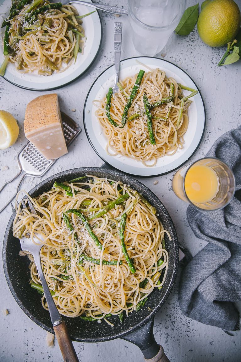 5 Ingredients Creamy Asparagus Pasta | Playful Cooking #foodphotography #photography #pastarecipe #easyrecipe #asparagus #springmeal