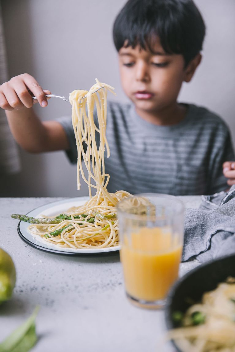 5 Ingredients Asparagus Pasta | Playful Cooking #foodphotography #photography #pastarecipe #easyrecipe #asparagus #springmeal