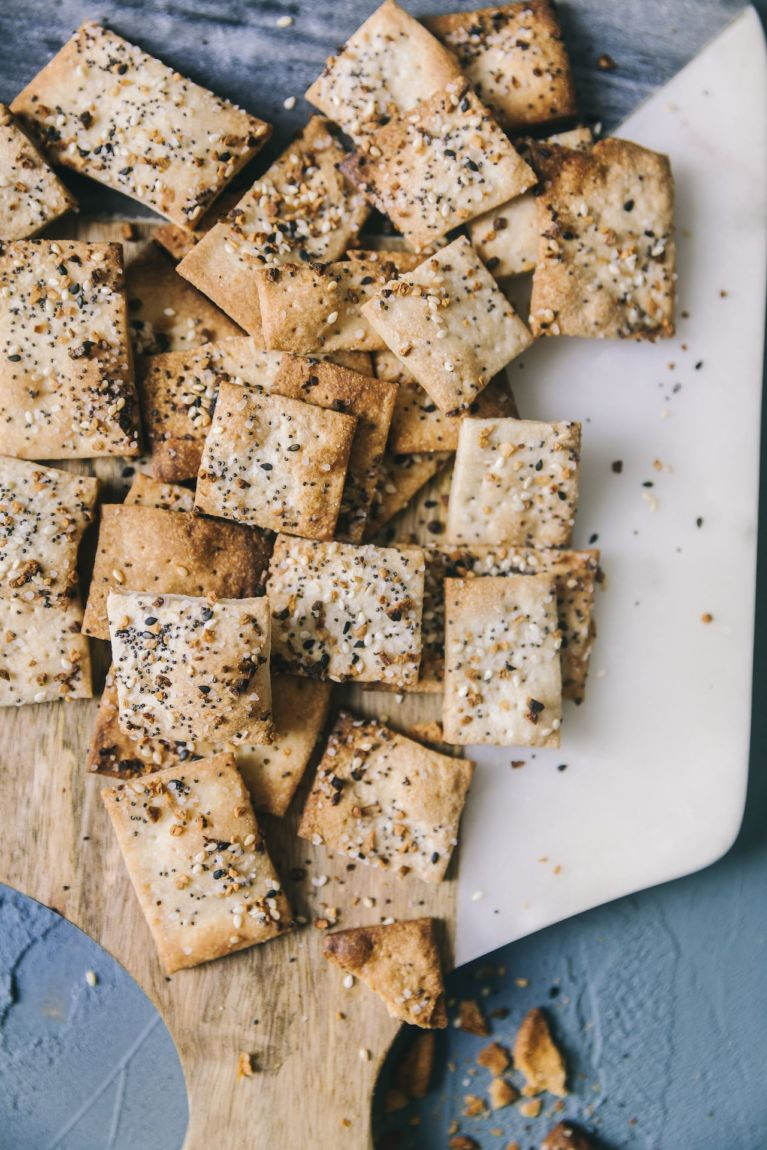 Easy Appetizer | Playful Cooking #crackers #everythingbagel #spicedcrackers