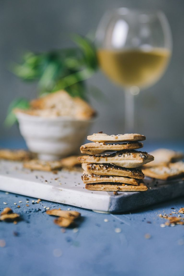 Everything Bagel Crackers | Playful Cooking #crackers #everythingbagel #spicedcrackers