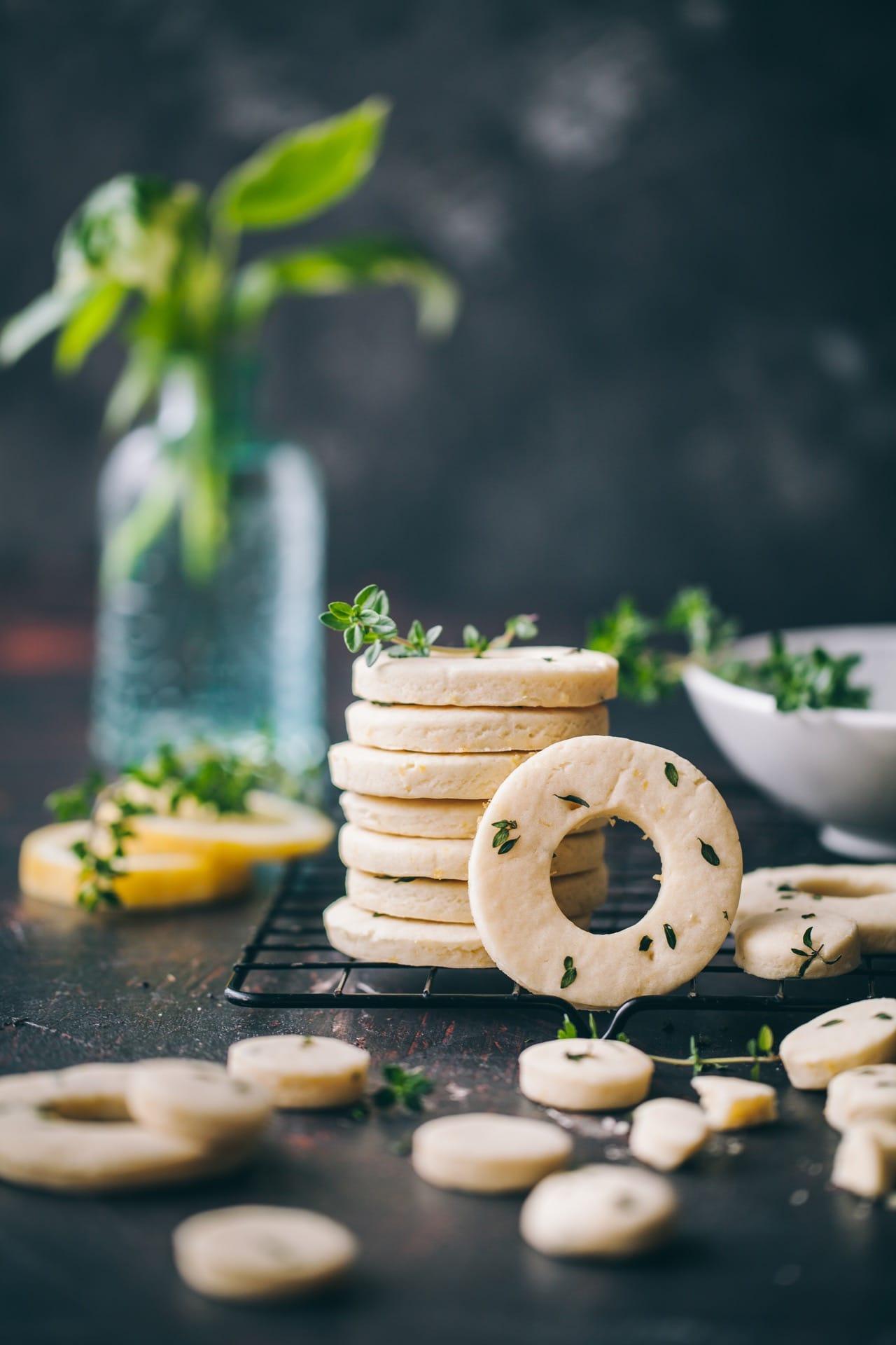 lemon thyme shortbread cookies 04