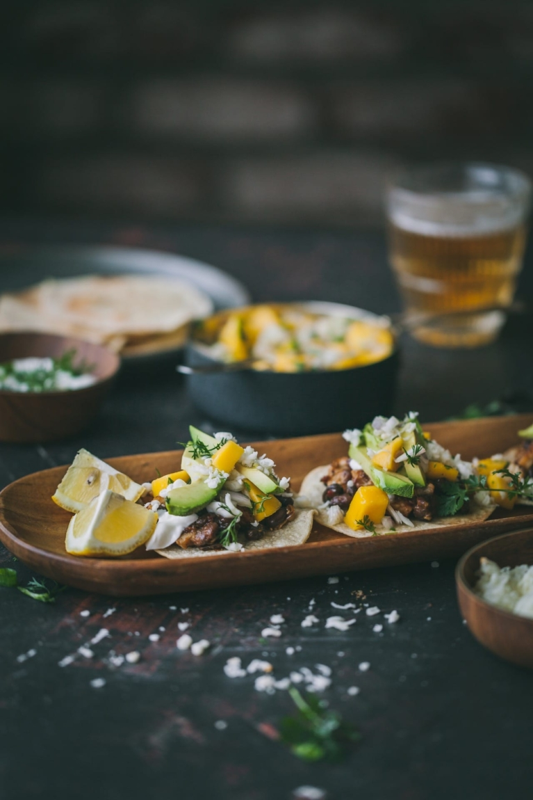 Chicken Tostadas | food photography @playfulcooking #tostadas #chickentostadas #foodphotography #easymeal #mexicanfood