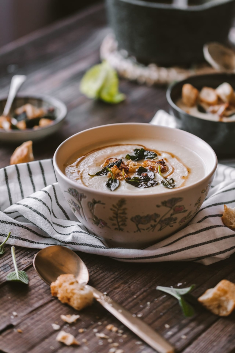 Cauliflower Soup - Easy and healthy dinner