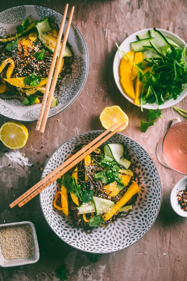 Summer salad with noodles, mango and chili soya dressing