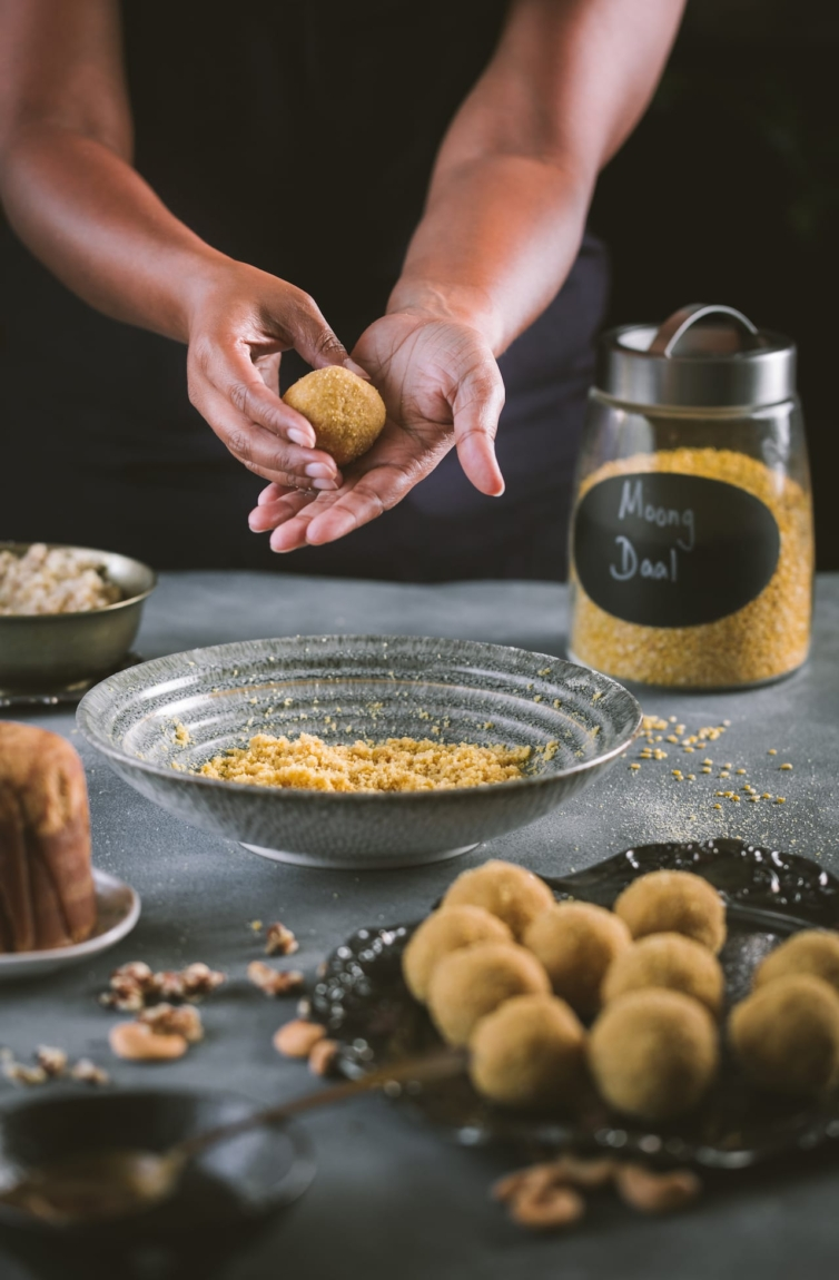 Shaping the Ladoo